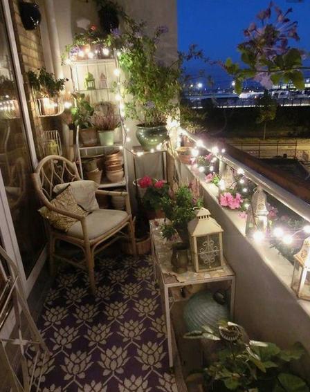 amenagemant balcon : guirlande lumineuse