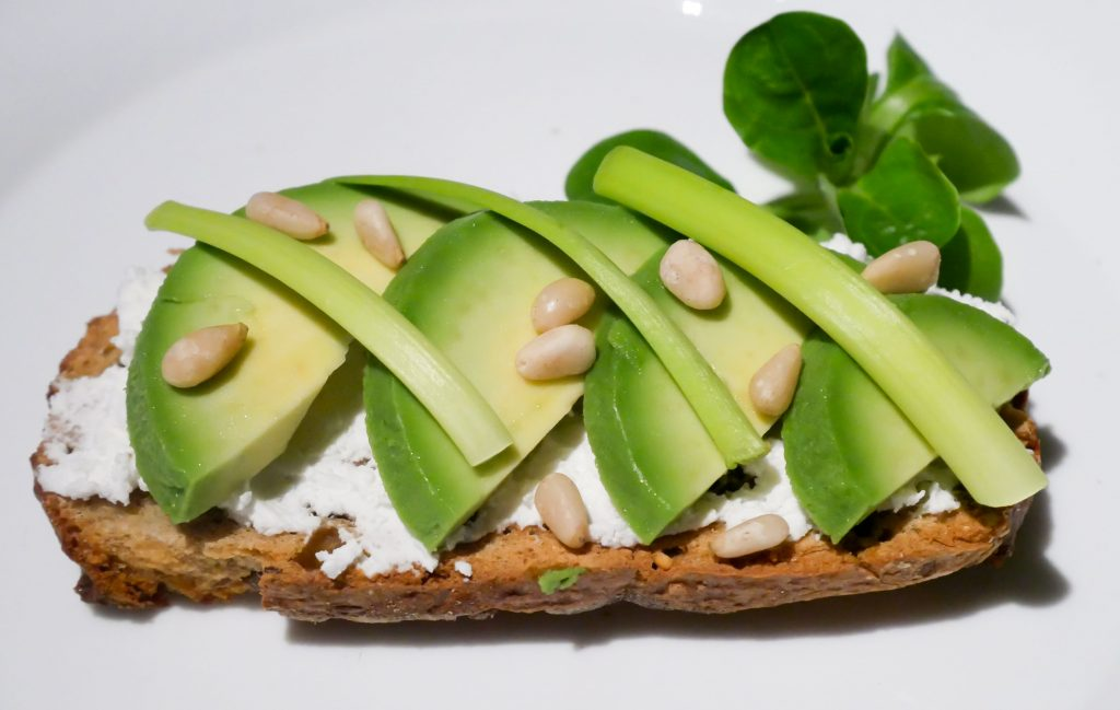 tartine-avocat-chevre